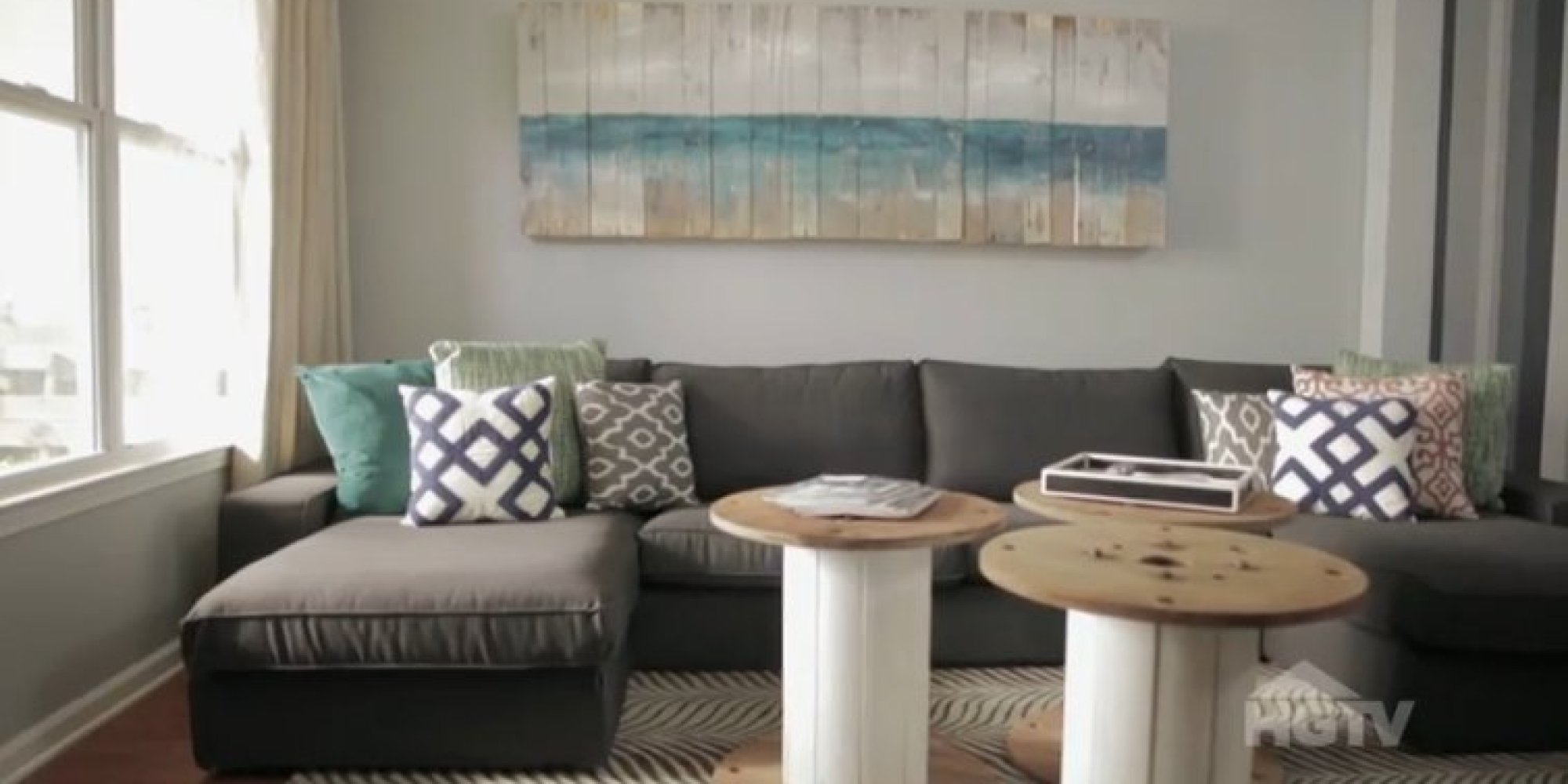 Turns Out You Can Do A Living Room Makeover For Under $500 (VIDEO) |  HuffPost