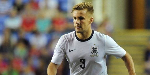 READING, ENGLAND - SEPTEMBER 05: Luke Shaw of England attacks during the 2015 UEFA European U21 Championships Qualifier between England U21 and Moldova U21 at The Madejski Stadium on September 05, 2013 in Reading, England, (Photo by Charlie Crowhurst/Getty Images)
