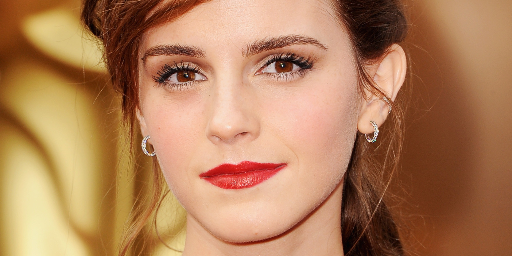 emma watson's oscars 2014 dress gets rave reviews but her hair