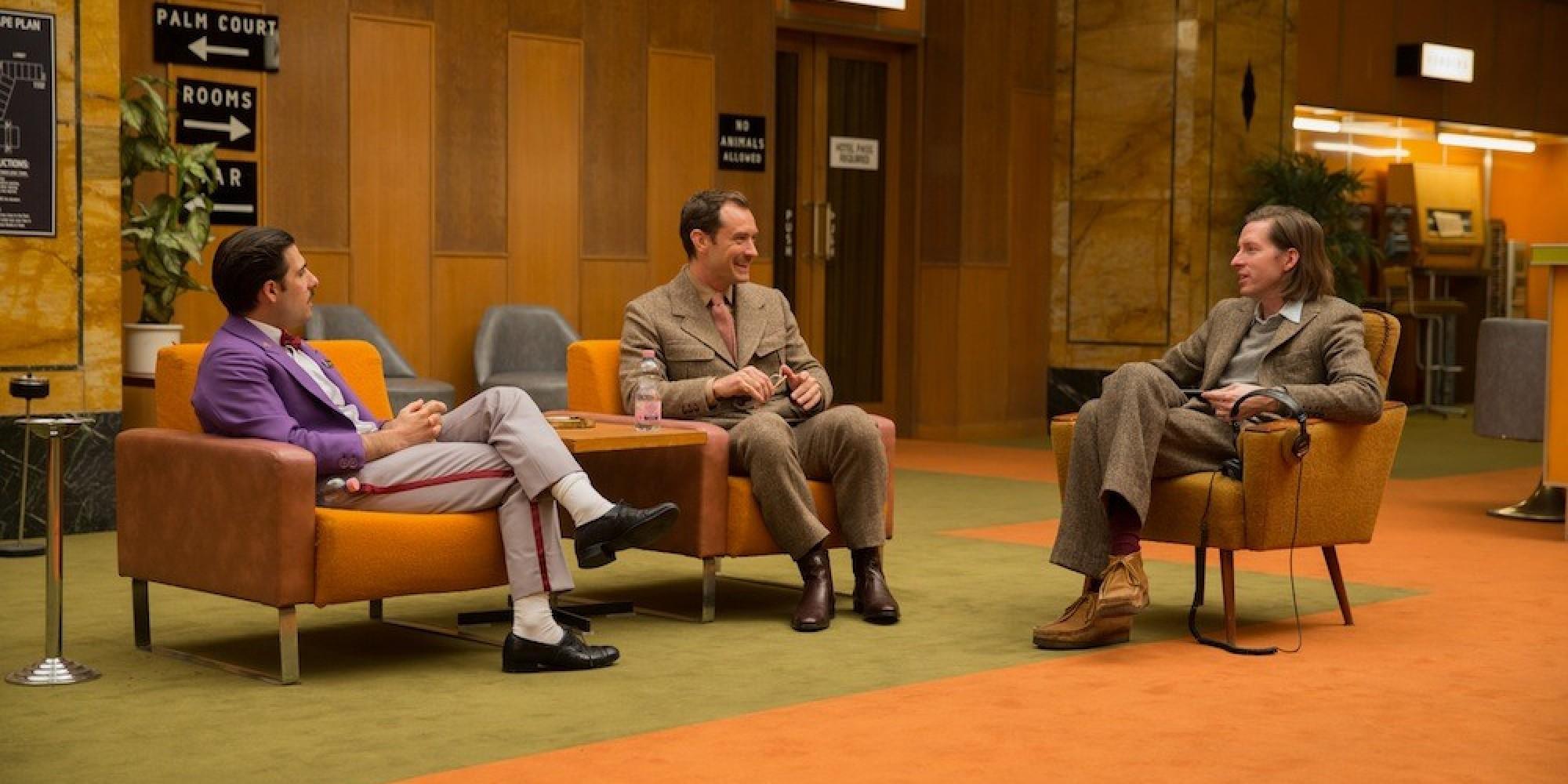 new 39 grand budapest hotel 39 clip introduces mr moustafa huffpost. Black Bedroom Furniture Sets. Home Design Ideas