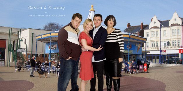 just fell in love, retroactively, with Gavin and Stacey and, of course, had to make a desktop. it's built for my 1920x1200 monitor, but I imagine it'll crop to 1024x fairly well...  I swiped the BG from one of  ingerson_sharon's beautiful photos of Barry Island.