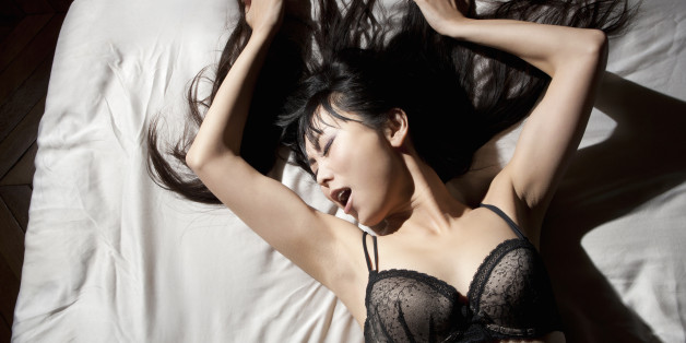 Girls orgasming before guys in sex