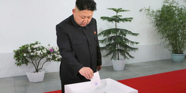 Kim Jong-Un, dirigeant de la Corée du Nord, en train de voter