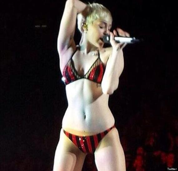 Miley Cyrus Performs In Underwear After Messing Up Quick Change During 'Bangerz' Tour Show