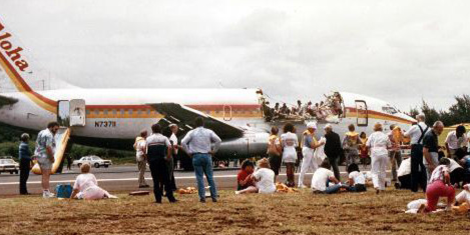 human factors on aloha 243 Figure 11 the evolution of aviation maintenance human factors training maintenance resource management is the result of a series of events that drove its development maintenance-based human factors training in 1988, aloha airlines flight 243 suffered a near-catastrophic failure4.