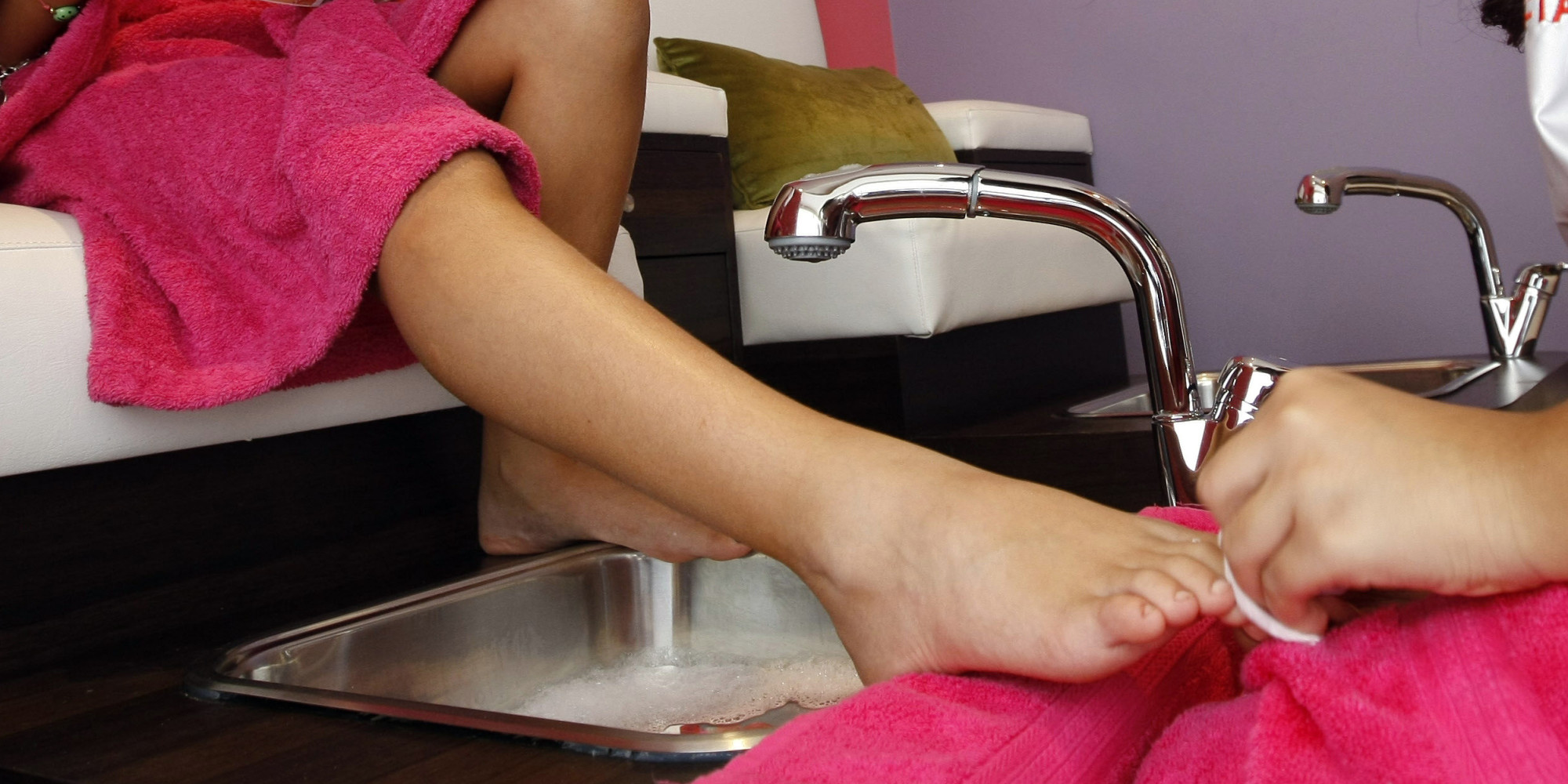 Thinking Of Getting A Pedicure? Beware The Health Risks First | HuffPost