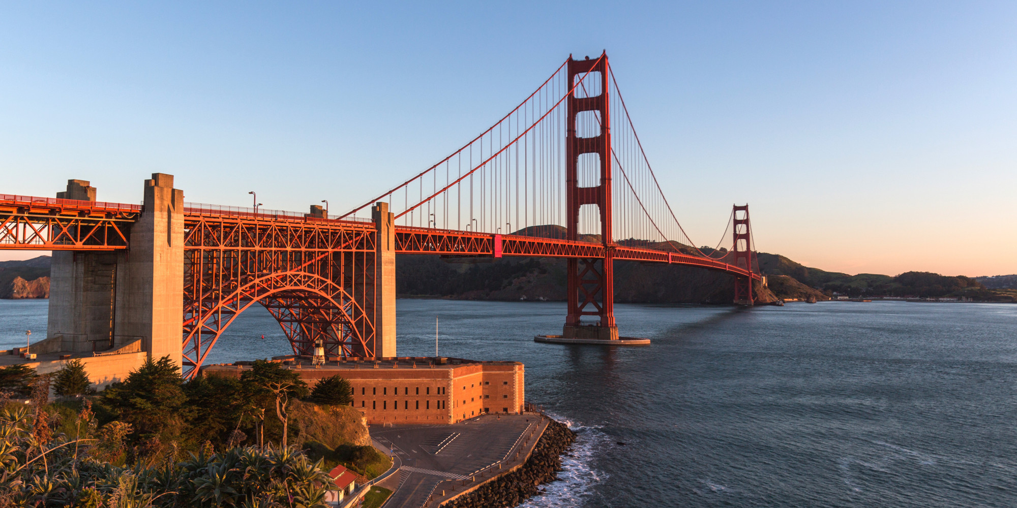 7 tips for visiting the golden gate bridge huffpost. Black Bedroom Furniture Sets. Home Design Ideas