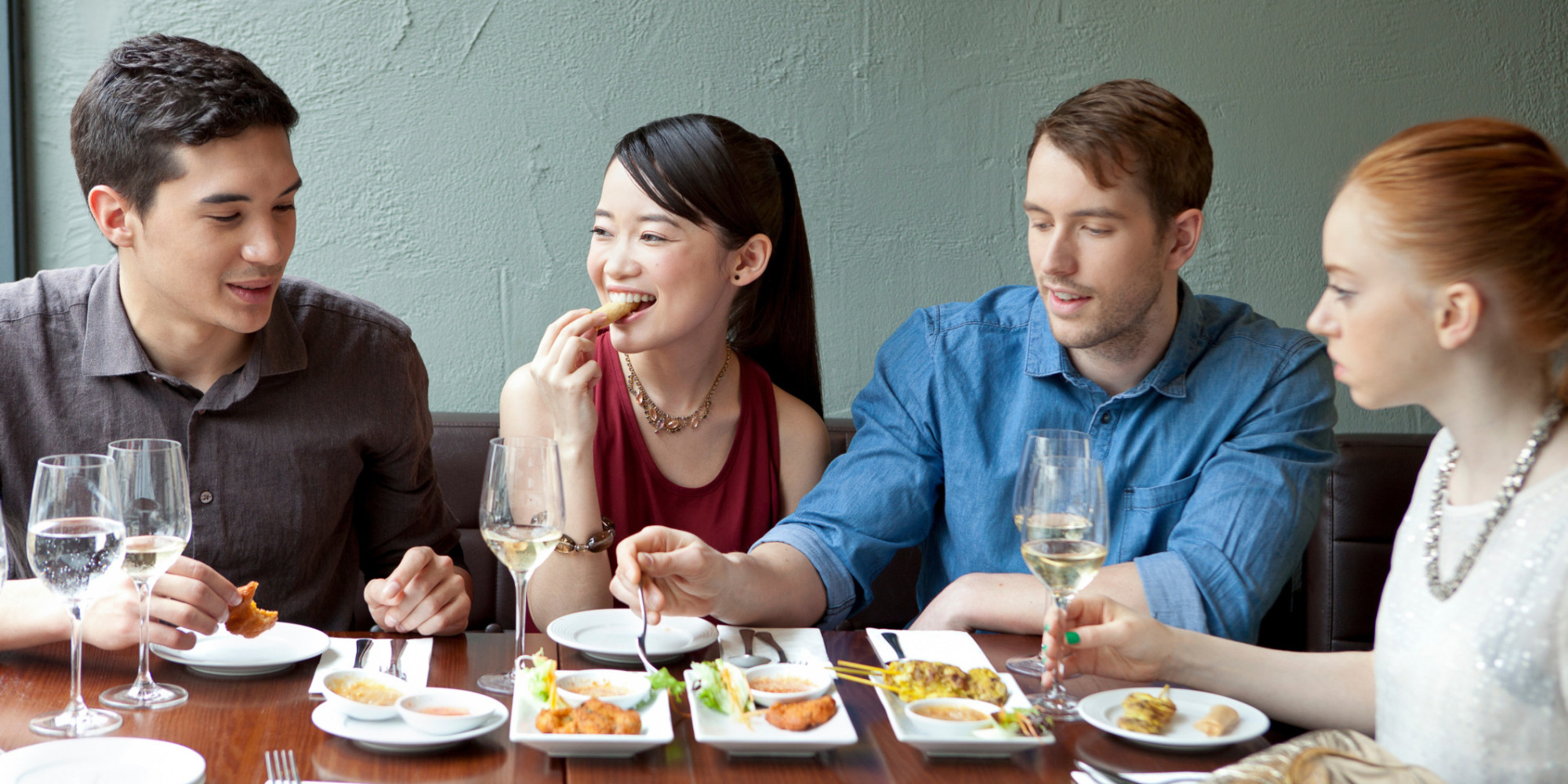 9 Ways to Score a Table at a Booked Restaurant Without a Reservation ...