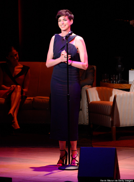 anne hathaway performing