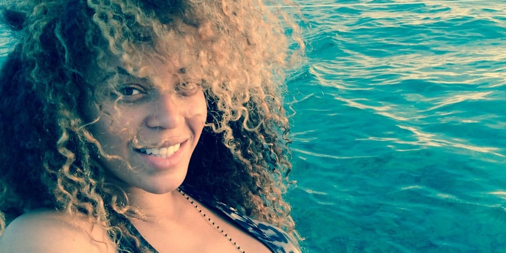 Beyonce Wears A Bikini No Makeup On Vacation With Blue