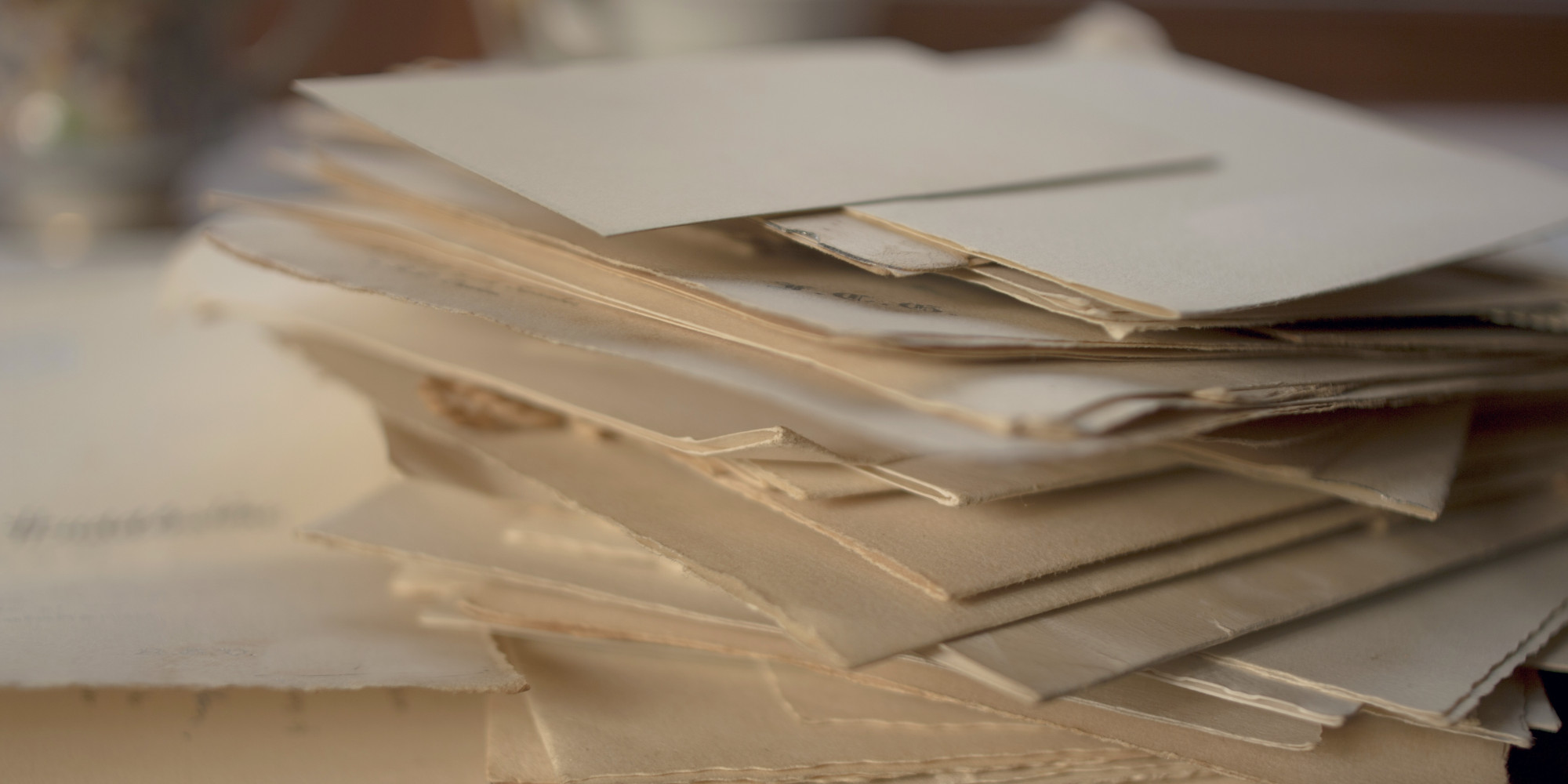 There\'s Actually A Reason Why Wedding Invites Come In Two Envelopes ...