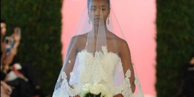 Oscar De La Renta Spring 2015 Wedding Dresses: PHOTOS!
