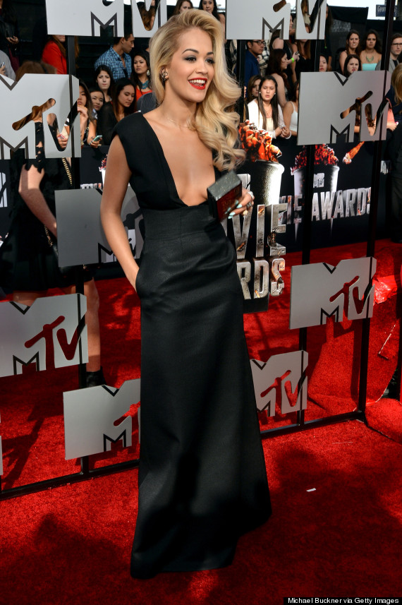 MTV Movie Awards 2014: Rita Ora Flashes Major Cleavage On The Red Carpet (PICS)