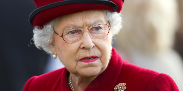 NEWBURY, UNITED KINGDOM - APRIL 11: (EMBARGOED FOR PUBLICATION IN UK NEWSPAPERS UNTIL 48 HOURS AFTER CREATE DATE AND TIME) Queen Elizabeth II attends the Dubai Duty Free Spring Trials Meeting at Newbury Racecourse on April 11, 2014 in Newbury, England. (Photo by Max Mumby/Indigo/Getty Images)