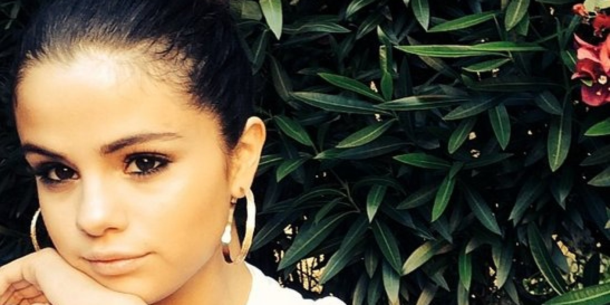 Why selena gomez unfollowed everyone on instagram report huffpost altavistaventures Image collections