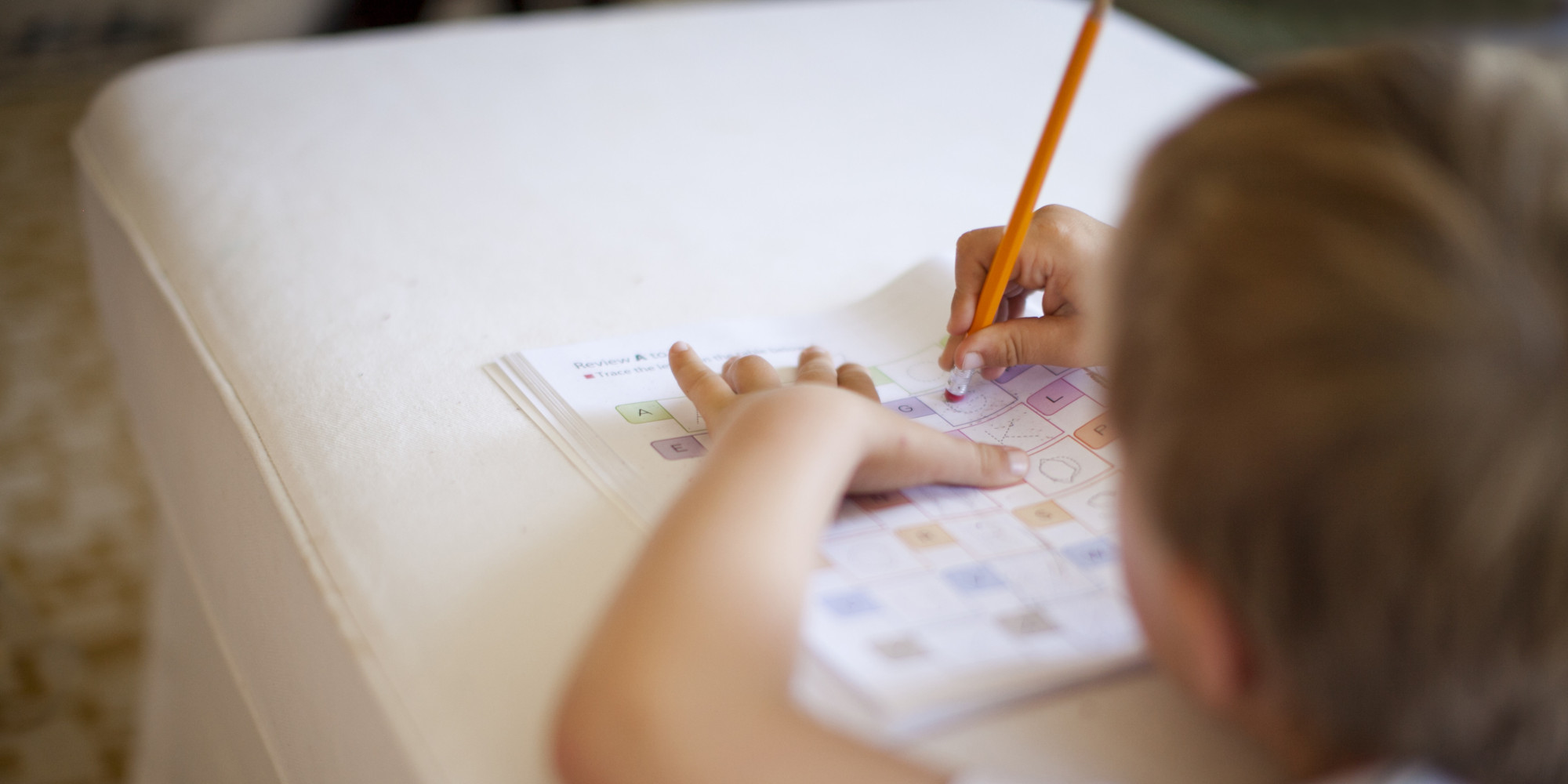 how to help my child with homework Here are five tips on how to help your child with their homework 2 give your child a snack of protein and complex carbohydrates before getting started or to nibble on while he completes his homework.