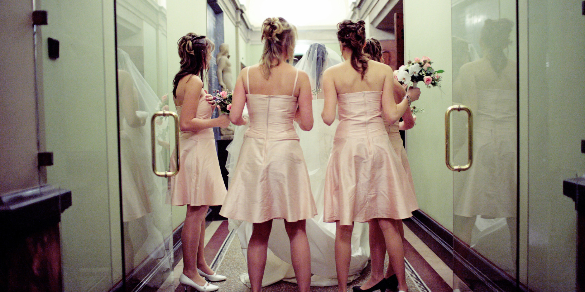 What Costs Should The Bride Cover For Her Bridesmaids Huffpost