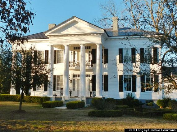 the pillars southern mansion