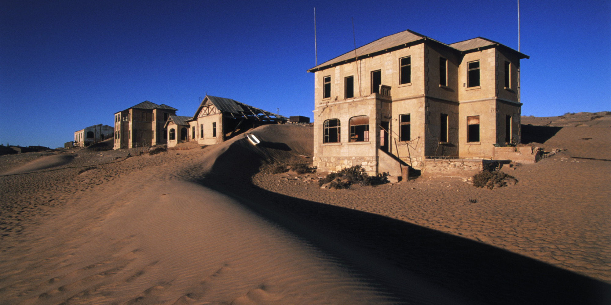 There's A Haunted, Abandoned German Village In The Namib ...
