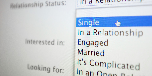 how to change relationship status on facebook without