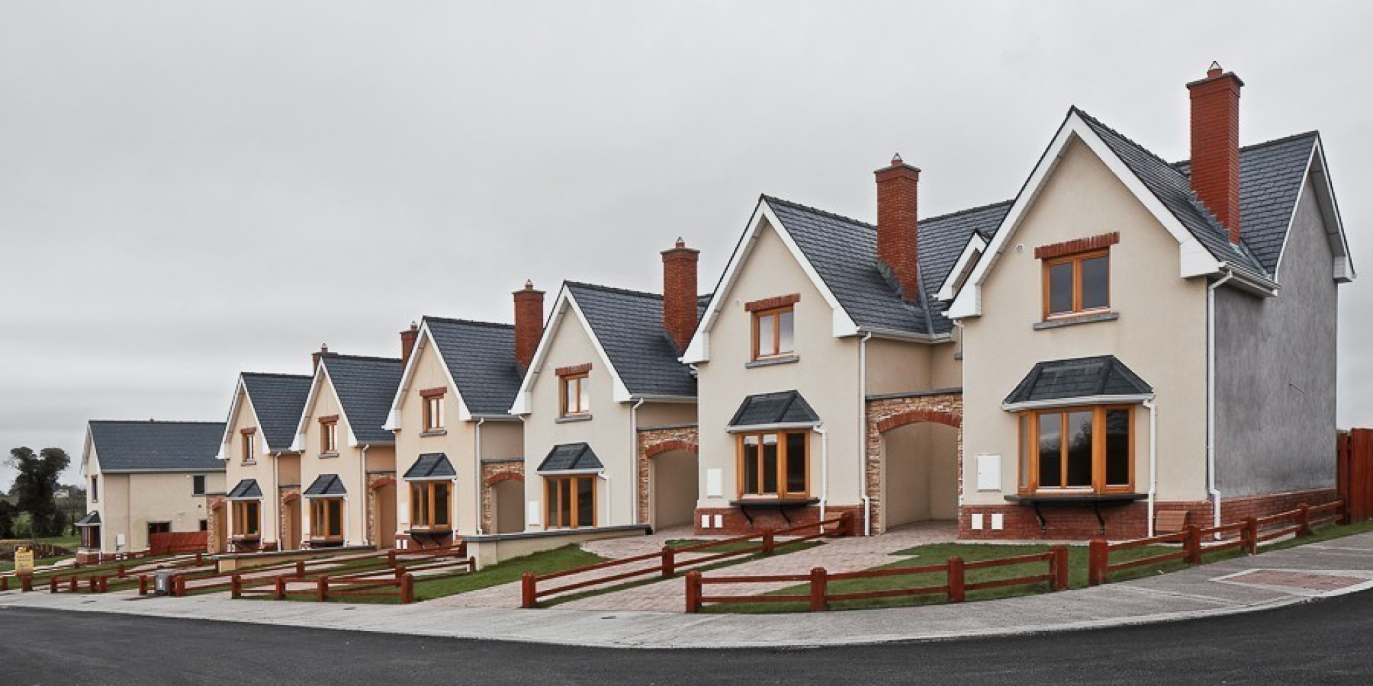 Ireland 39 s suburban ghost towns are just plain creepy for Abandoned neighborhoods in america