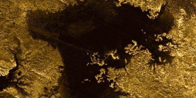 Une île mystérieuse intrigue les astronomes sur le satellite de Saturne, Titan