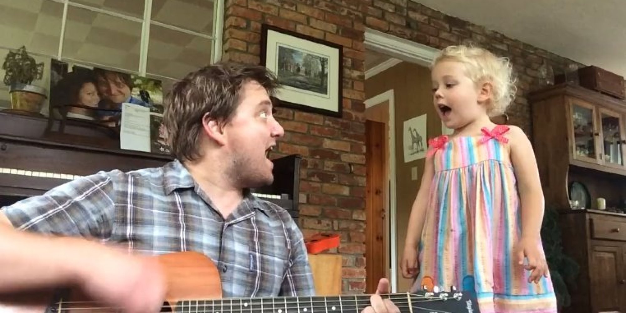 4-Year-Old Singing With Her Dad Is The Epitome Of Cute