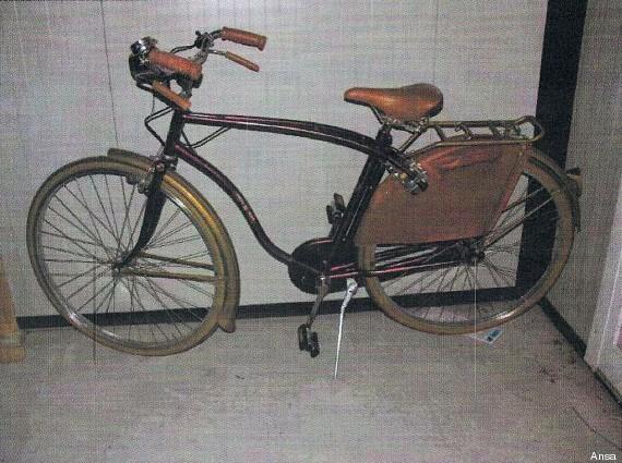 bicicletta bordeaux alberto stasi