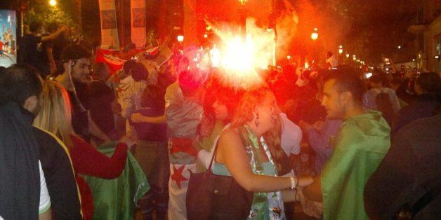 Manifestation joyeuse après la qualification de l'équipe algérienne à Paris