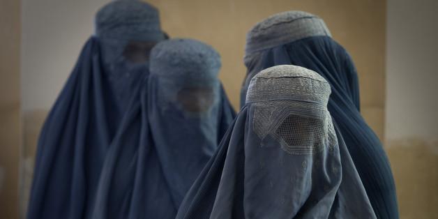 Frauen in Burkas. Foto: Getty.