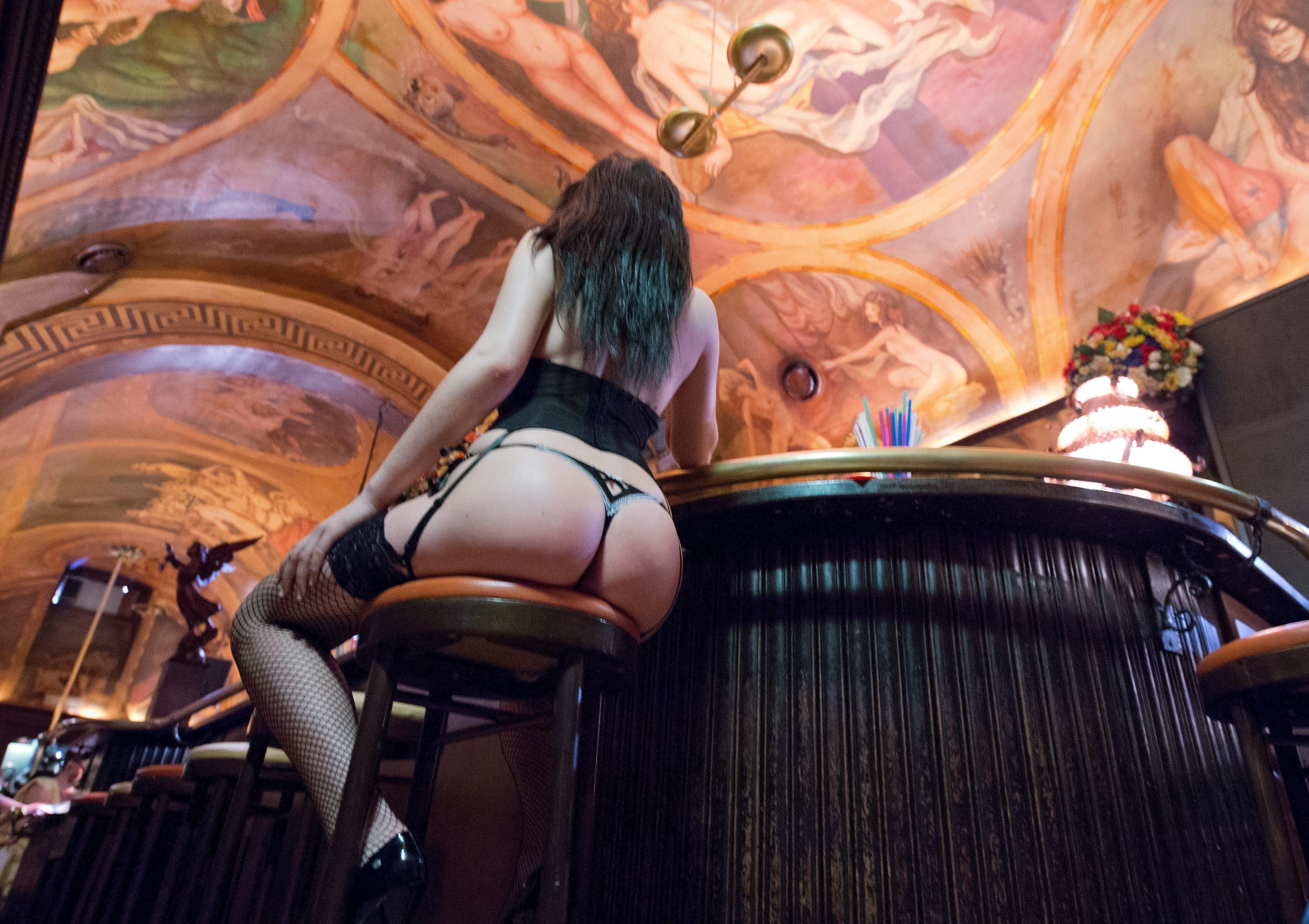 Prostitution: Warum Deutschland Sexkauf verbieten
