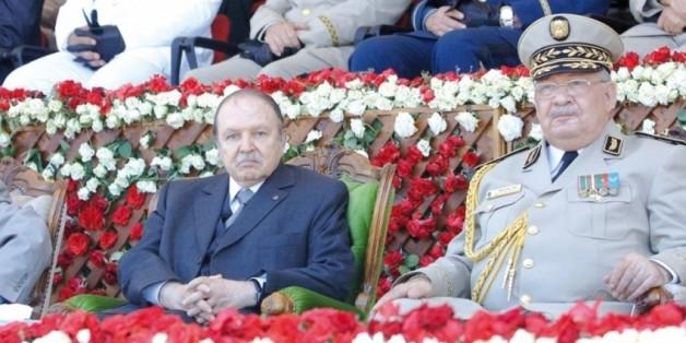"""Bouteflika- Gaïd Salah: la place du DRS est en """"question"""" (archives)"""