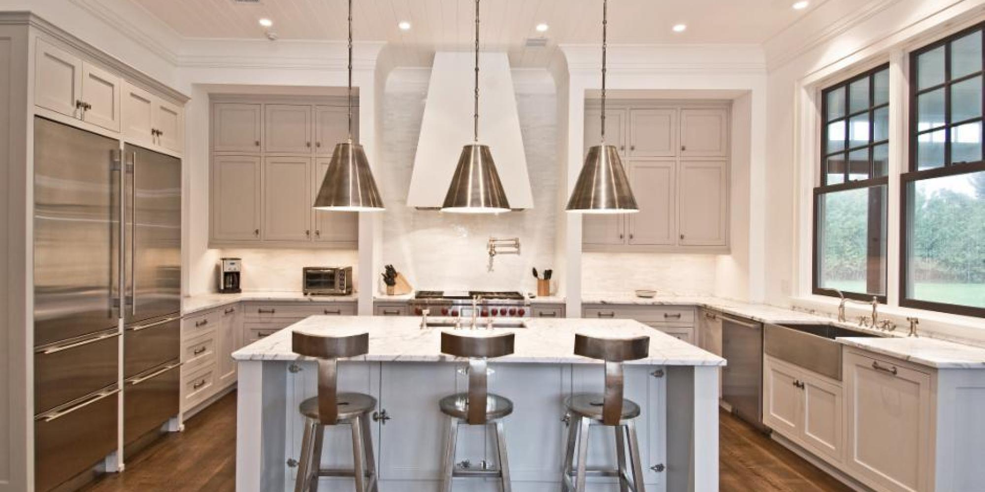 The best paint colors for every type of kitchen huffpost for Kitchen cabinet trends 2018 combined with outdoor wall art metal large