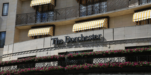 LONDON, ENGLAND - JUNE 10:  A general view of the Dorchester Hotel on June 10, 2014 in London, England. A gang of six men on mopeds, armed with sledgehammers, smashed display cabinets in the foyer of the five-star hotel in Mayfair and made off with jewellery and watches in the early hours of Tuesday morning.  (Photo by Dan Kitwood/Getty Images)