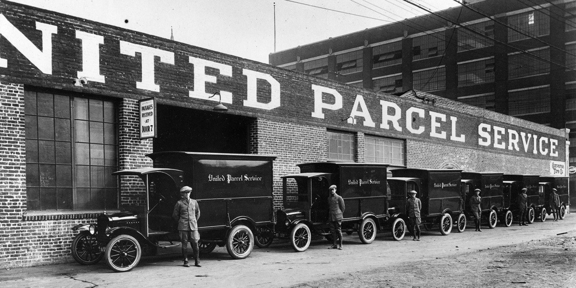 Old Ups Trucks For Sale >> These Old School Photos Show The Evolution Of UPS' Big Brown Delivery Fleet | HuffPost