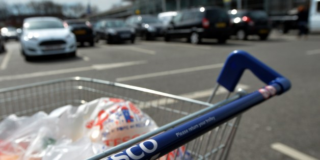 A picture shows a trolly of shopping a Tesco store in Liverpool, north west England on April 16, 2014. Supermarket giant Tesco announced a second drop in annual profits in a row on April 16, leaving Britain's biggest retailer hoping that recent expansion into India and China can offset weakness in Europe. AFP PHOTO / PAUL ELLIS        (Photo credit should read PAUL ELLIS/AFP/Getty Images)