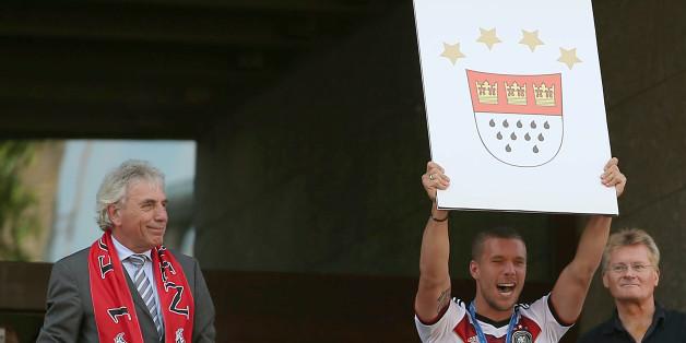 In Köln wurde Weltmeister Lukas Podolski frenetisch bejubelt. Spielt er auch bald wieder für die Geißböcke?