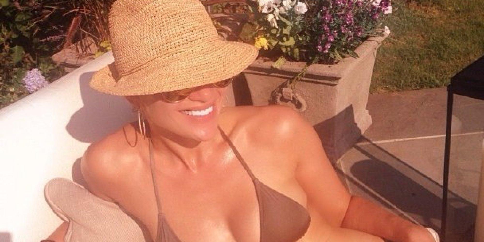 Leah Remini In A Bikini 68