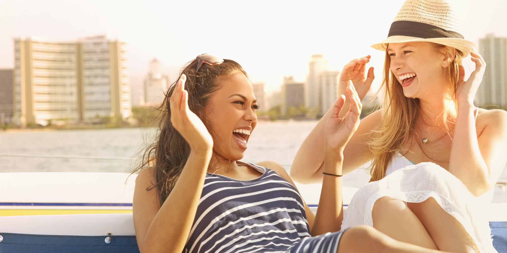 happy friends woman ile ilgili görsel sonucu