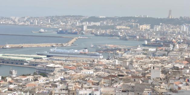Alger vue des hauteurs de la Casbah