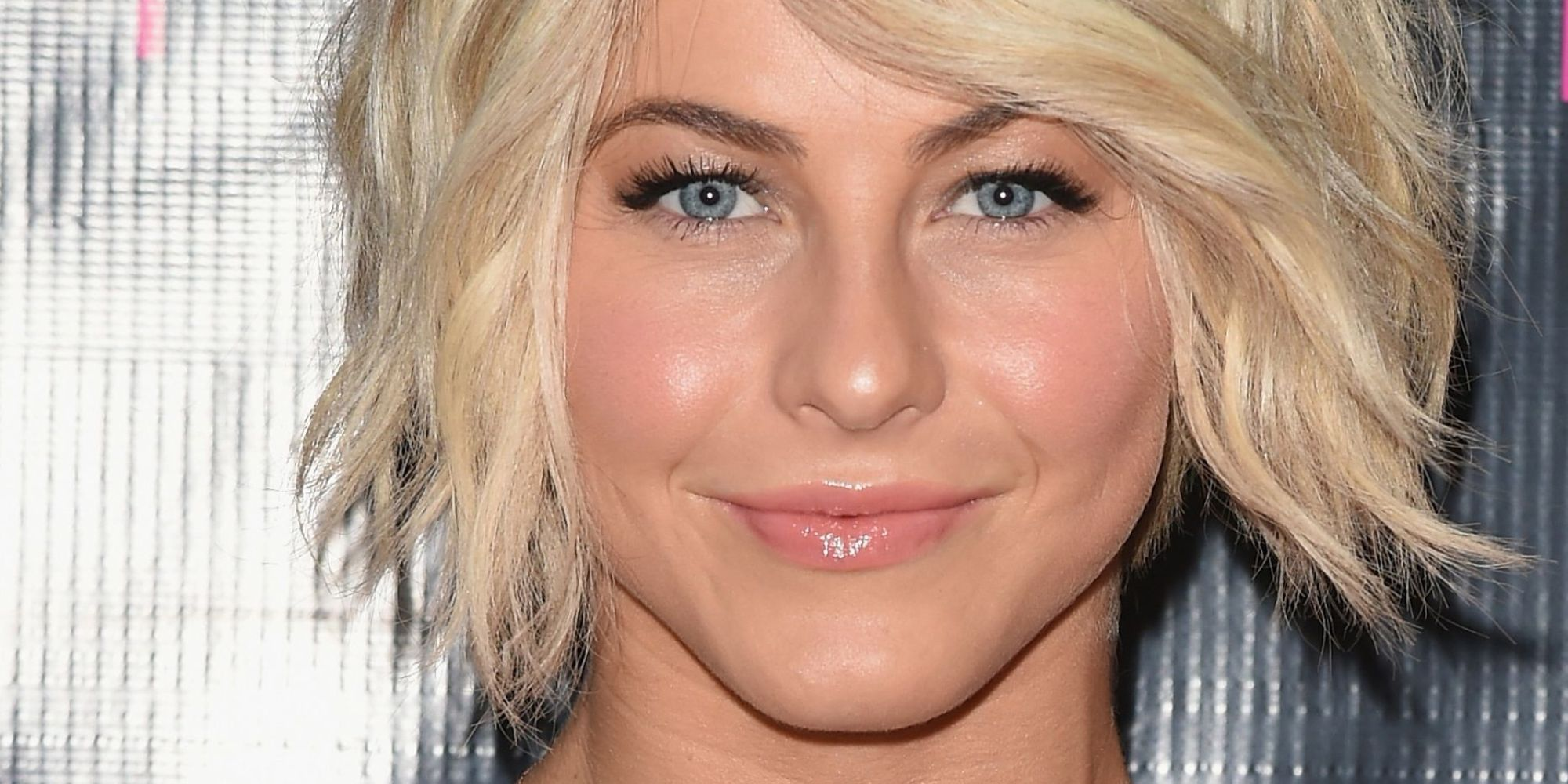 julianne hough hits the red carpet in a chic one-shoulder dress