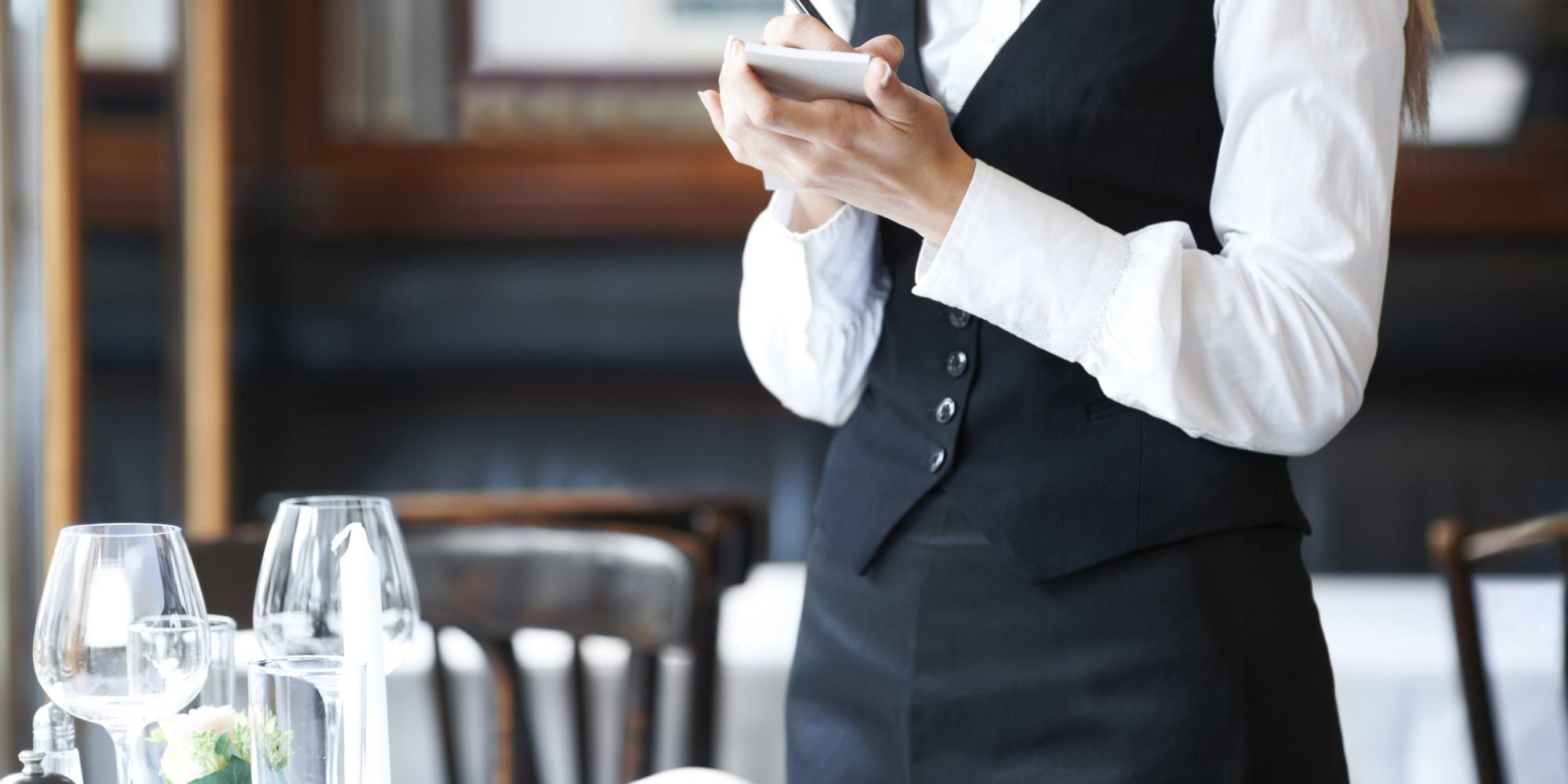 35 Things Restaurant Servers Do Wrong Huffpost