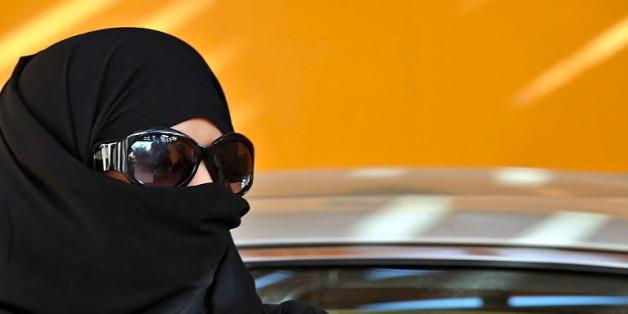 Des fatwas marquées par obsession de la femme
