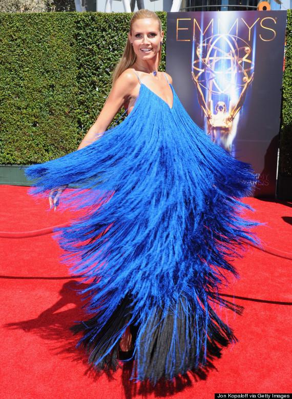 Heidi Klum trägt aufwändiges Fransen-Kleid bei den Creative Arts ...