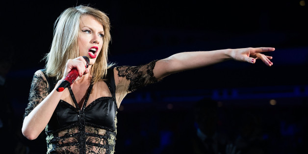 Taylor Swift Premiered A New Song Called 'Shake It Off' During Her Live Stream