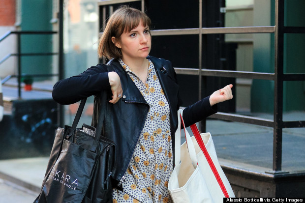 lena dunham black bag