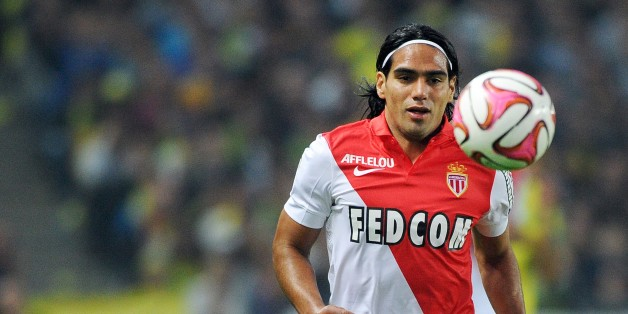Monaco's Colombian forward Radamel Falcao runs with the ball during the French L1 football match between Nantes (FCN) and Monaco (ASMFC) on August 24, 2014 at the Beaujoire stadium in Nantes, western France. AFP PHOTO / JEAN-SEBASTIEN EVRARD        (Photo credit should read JEAN-SEBASTIEN EVRARD/AFP/Getty Images)