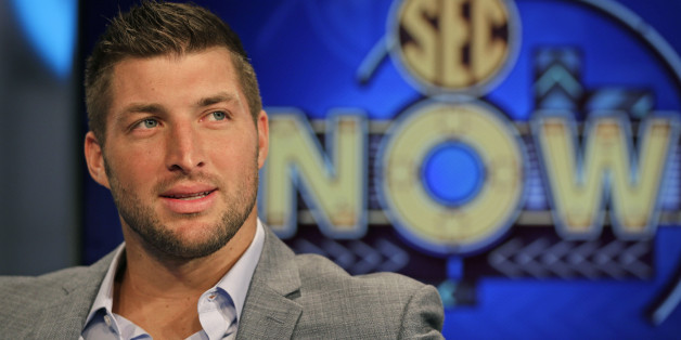 Tim Tebow Makes Fans Dreams Come True Scores A Touchdown In Our