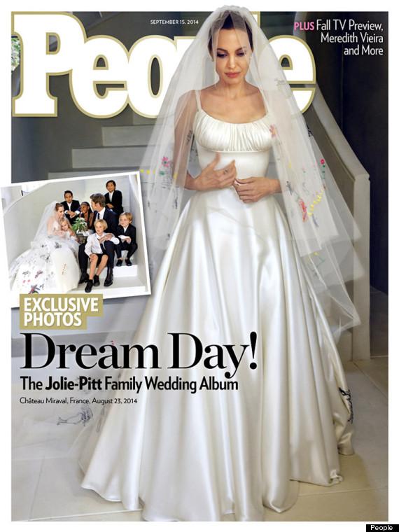 Angelina Jolies Hochzeitskleid ist auf dem Cover von gleich zwei ...