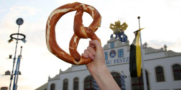 oktoberfest facing pretzel shortage if german bakers go on strike